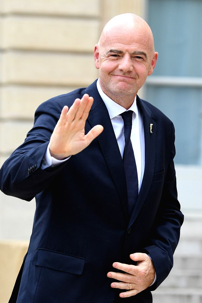 "Zurich, June 3 (IANS) FIFA President Gianni Infantino has said that the recent demonstrations of players in Bundesliga matches, showing solidarity with George Floyd, deserve ""applause and not a punishment""."