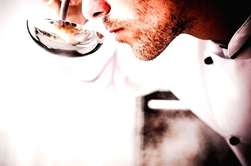 Covid smell loss: Avoid steroids, try smell training