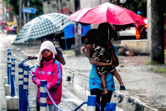3 killed, 13 missing in Philippines typhoon (Ld)