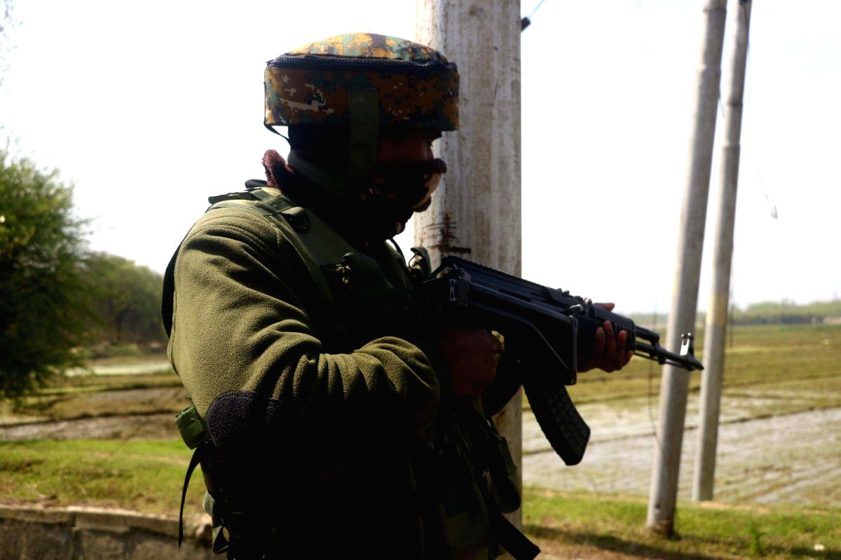 3 terrorists killed in Kashmir encounter (Ld)