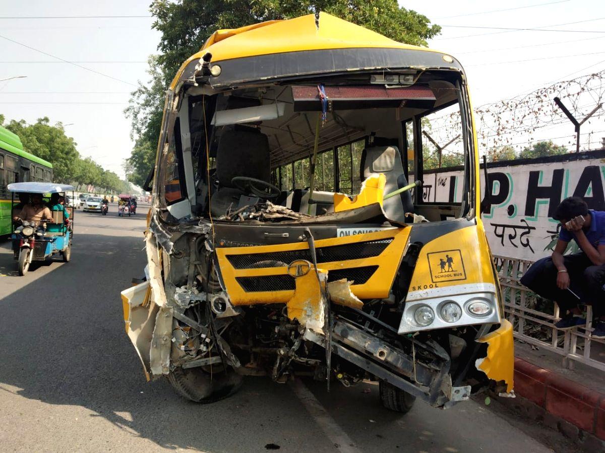 6 children injured in school bus accident