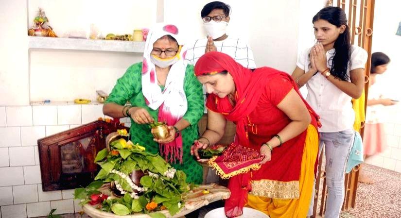 9 Tips to Rejuvenate your home during Shravan.