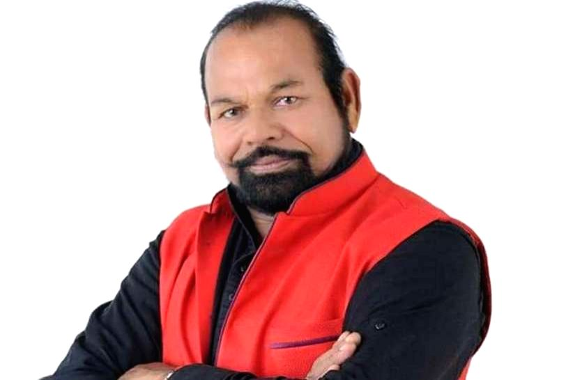 A BJP legislator from Waghodia in Gujarat, Madhu Shrivastav, on Monday again courted controversy as he was caught on camera while openly issuing death threat to an electronic media reporter when the latter asked uncomfortable questions. (Twitter)