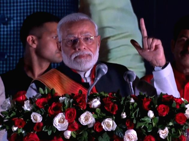 A grand welcome was accorded to Prime Minister Narendra Modi on Saturday night on his return here from the week-long visit to the US during which he addressed the United Nations General Assembly, attended the 'Howdy, Modi!' diaspora event besides sev