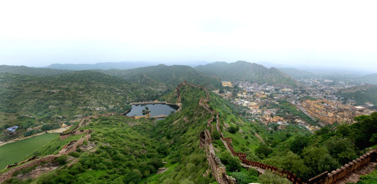 Amber Fort as seen from its twin fort, the Jaigarh Fort
