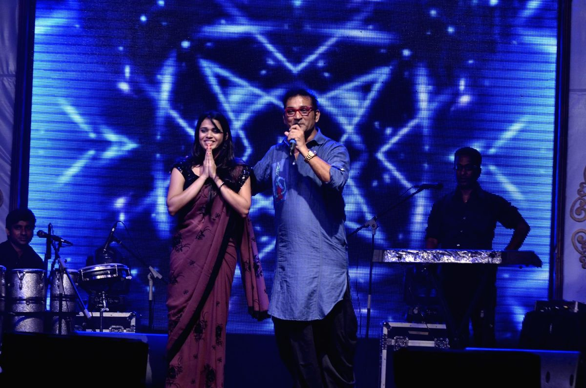 Sing along with Abhijeet