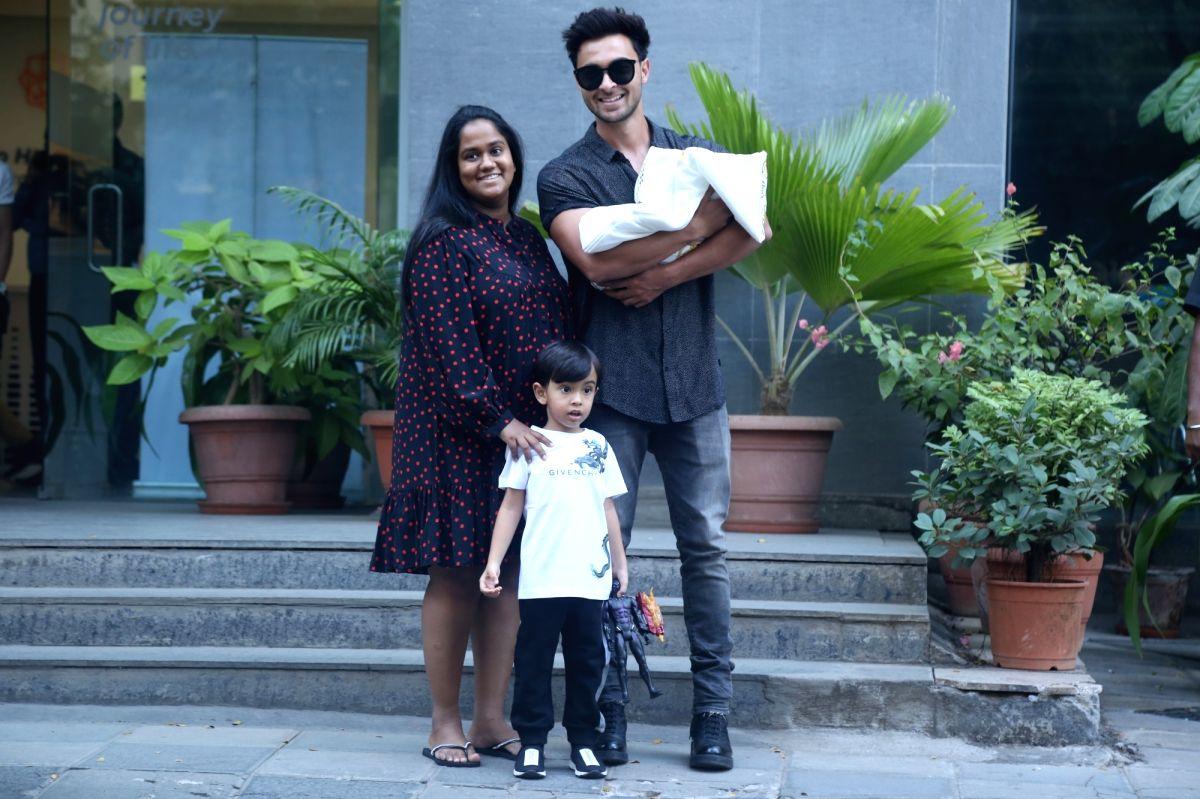 Actor Aayush Sharma, his wife Arpita Khan Sharma along with son Ahil Sharma, take their newly born baby girl Ayat Sharma home