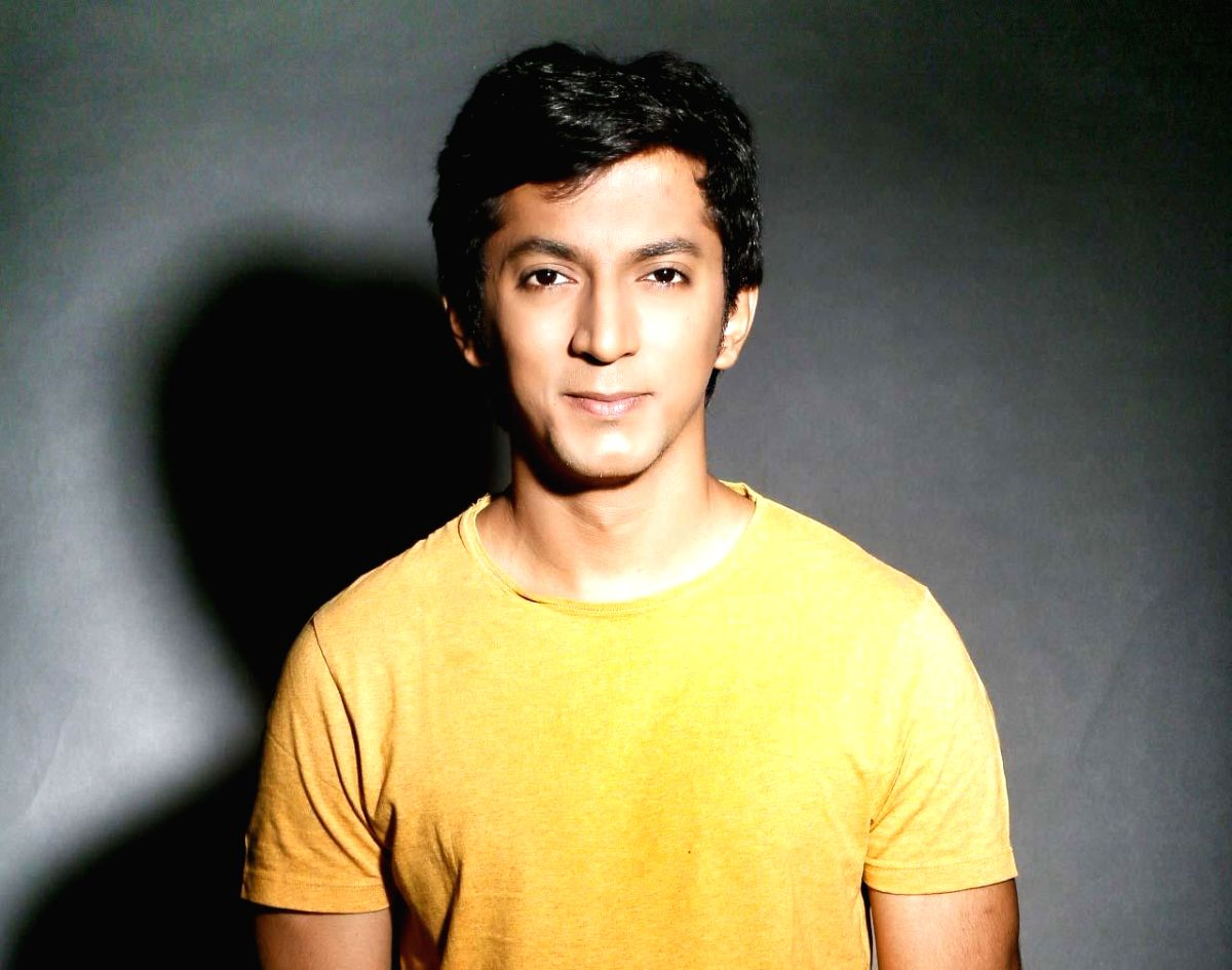 """Actor Anshuman Jha of """"Love Sex Aur Dhokha"""" fame will don the director's hat for the feature film """"Lord Curzon Ki Haveli"""", which will be a black comedy thriller set in the UK."""