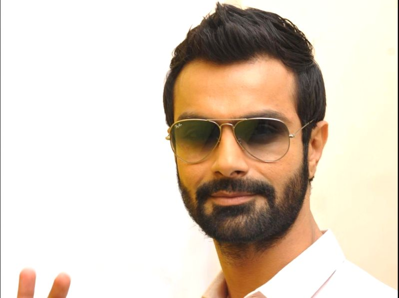 Actor Ashmit Patel