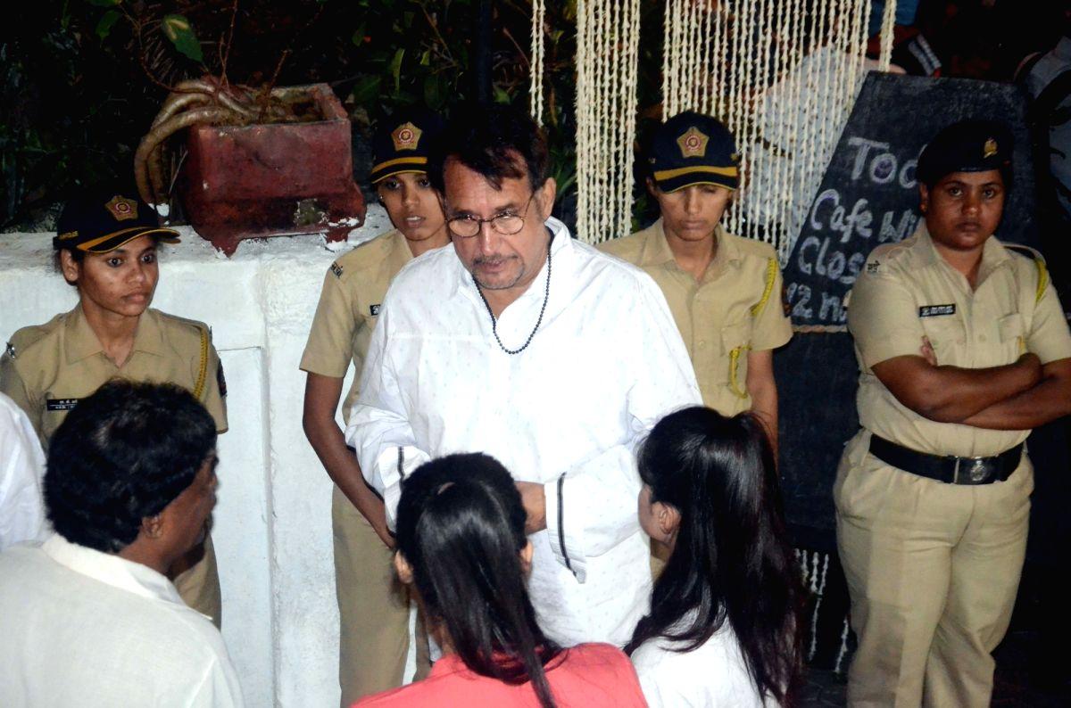 Shashi Kapoor's condolence meet - Kiran Kumar and Shashi Kapoor