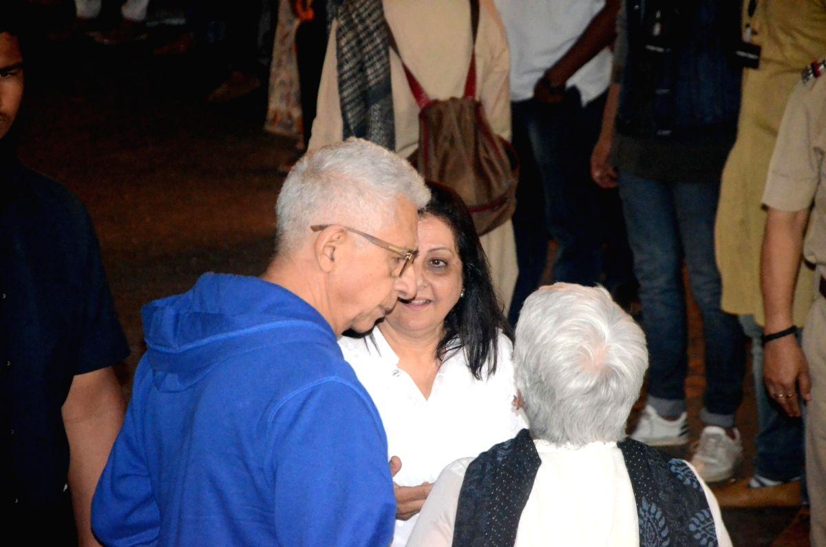 Shashi Kapoor's condolence meet - Naseeruddin Shah and Shashi Kapoor
