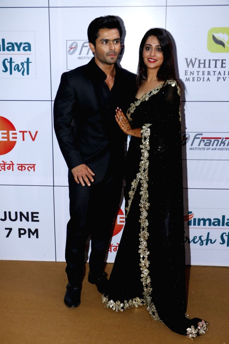 Dipika Karkar and Shoaib Ibrahim are giving us couple goals in this matchy matchy look  at the Zee Gold Awards 2018