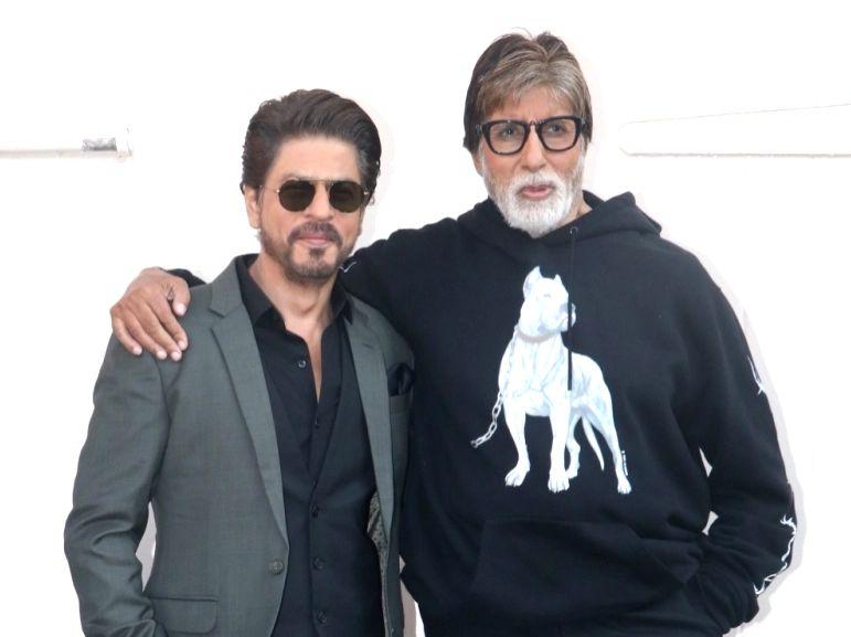 Actors Amitabh Bachchan and Shah Rukh Khan