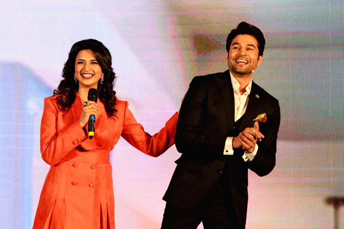 Actors Divyanka Tripathi and Rajeev Khandelwal
