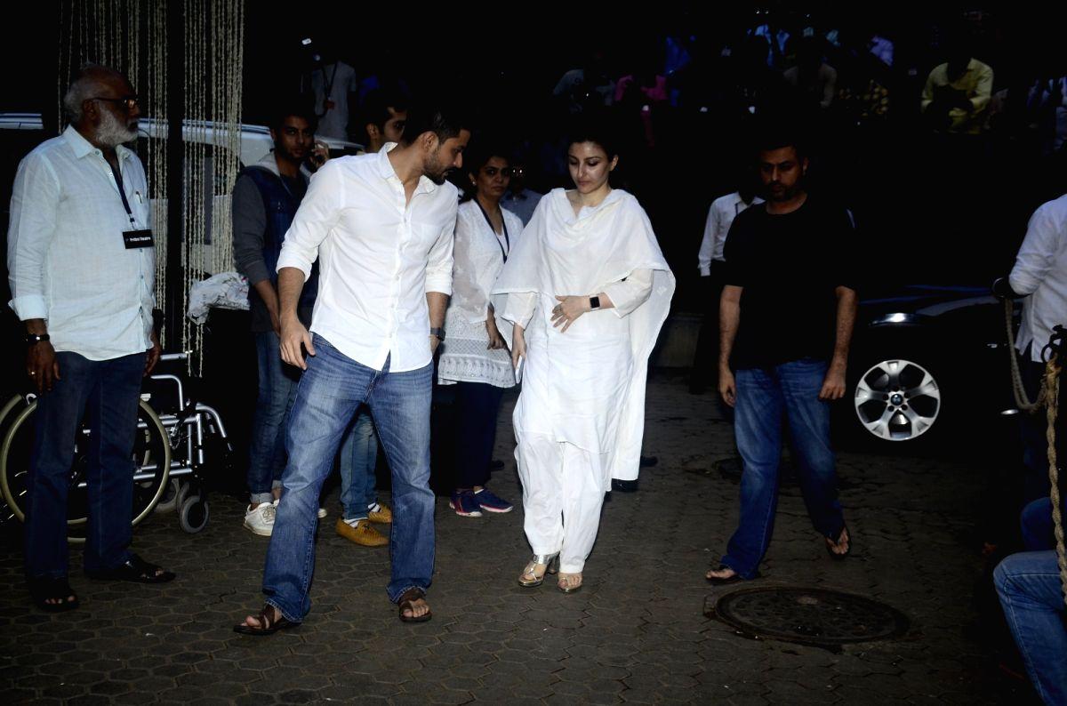 Shashi Kapoor's condolence meet - Shashi Kapoor, Kunal Khemu and Soha Ali Khan