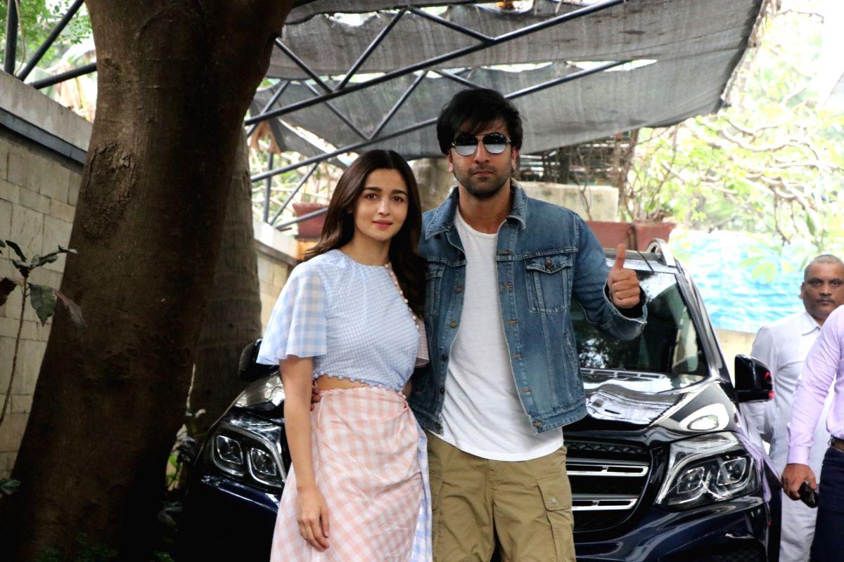 Actors Ranbir Kapoor and Alia Bhatt