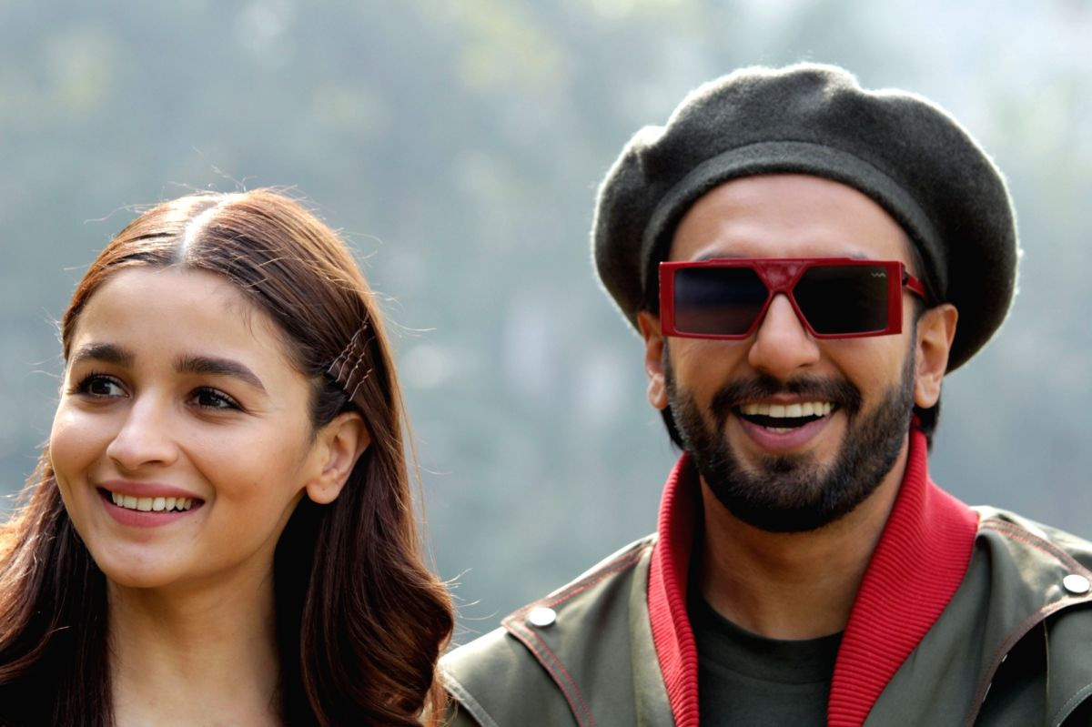 Actors Ranveer Singh and Alia Bhatt