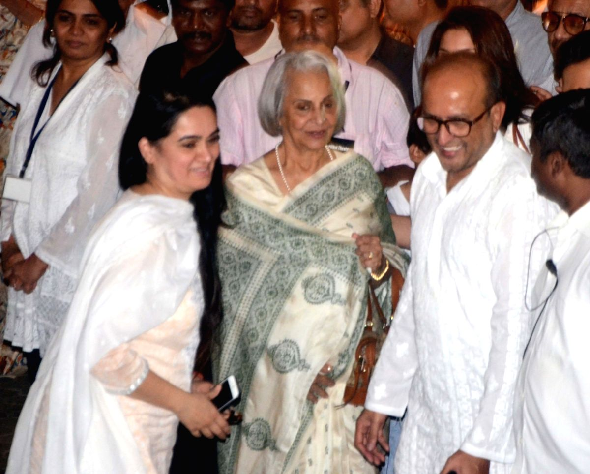 Shashi Kapoor's condolence meet - Shashi Kapoor, Waheeda Rehman and Padmini Kolhapure