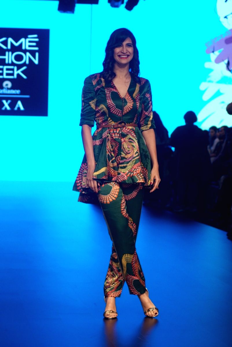 Aahana Kumra is able to pull off this funky print. She does it gracefully too!