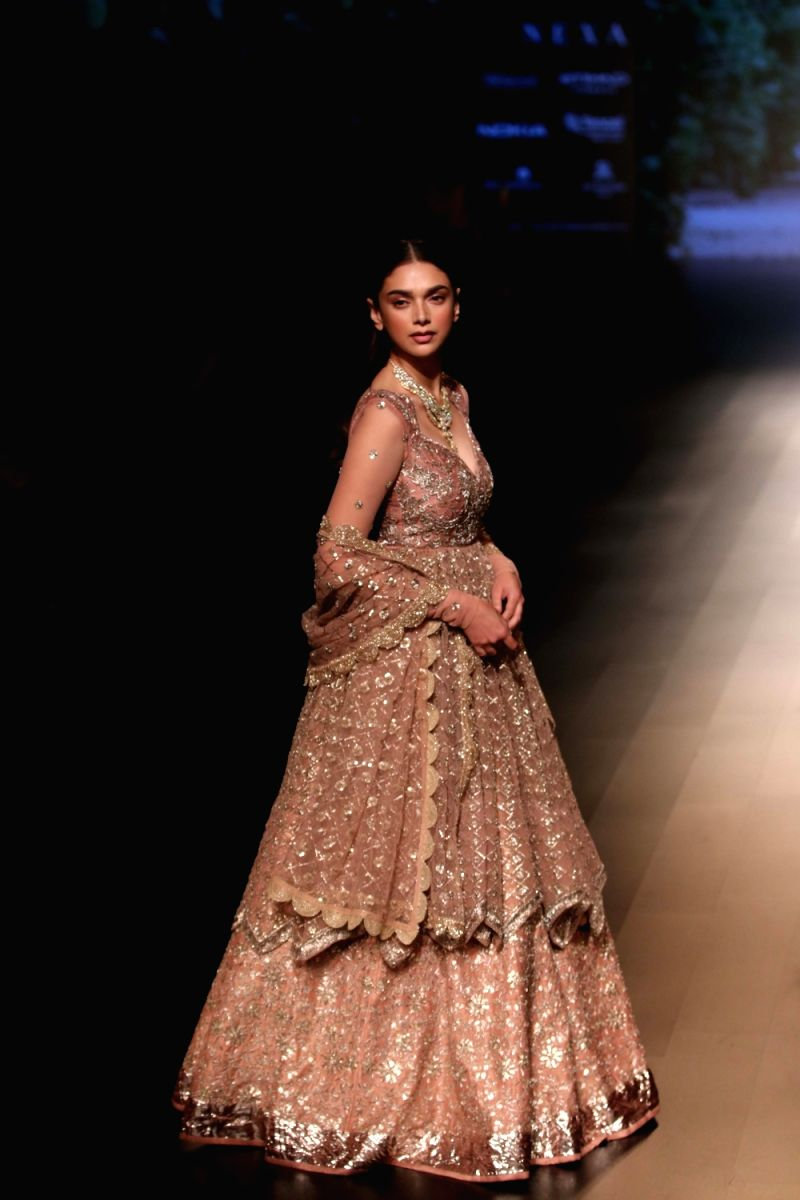 Aditi Rao Hydari looked simply stunning in this bridal couture with matching accessories