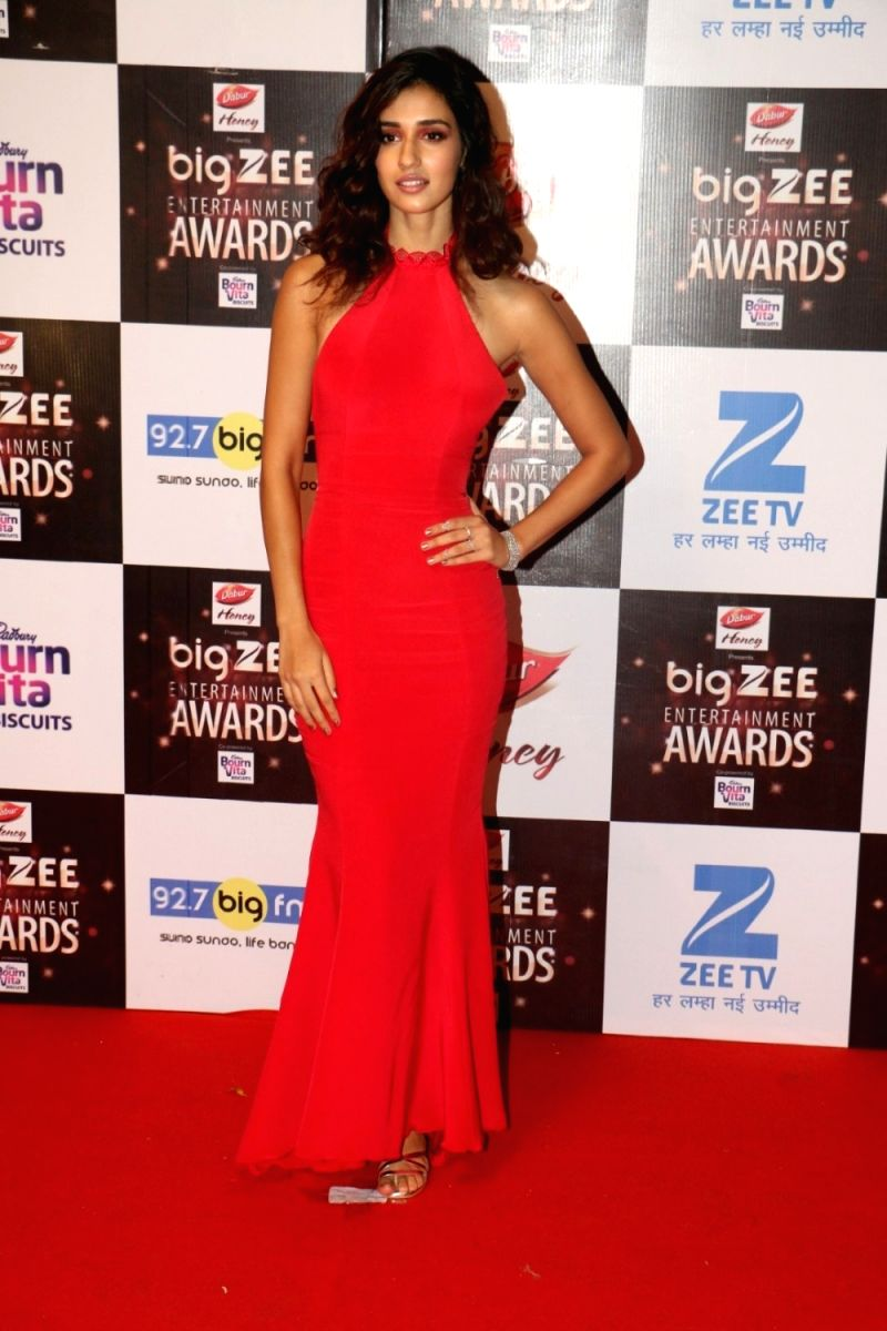 Disha looks pretty as a picture in this crimson mermaid gown
