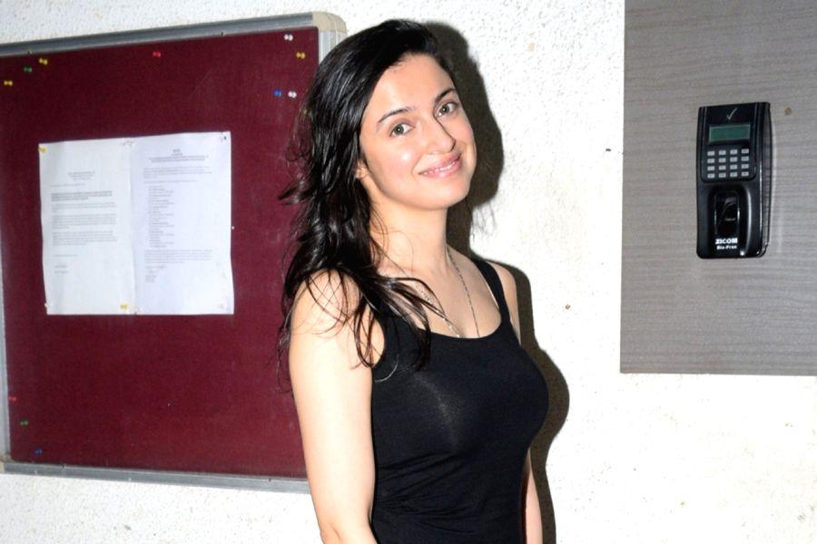 Actress Divya Khosla Kumar