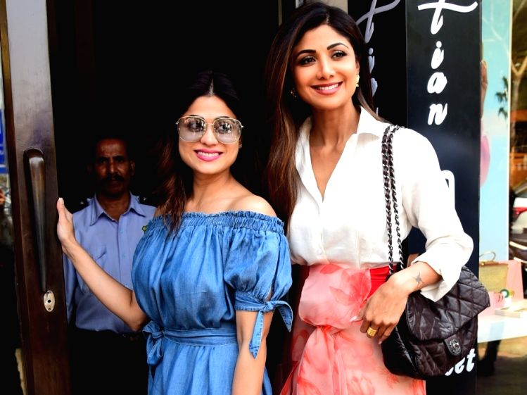 Actresses Shilpa Shetty Kundra and Shamita Shetty