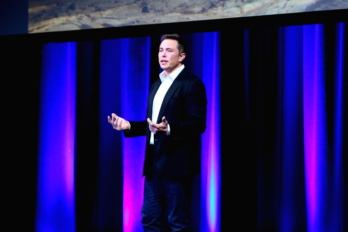 ADELAIDE, Sept. 29, 2017 (Xinhua) -- Elon Musk, Chief Executive Officer (CEO) of Space Exploration Technologies Corporation (SpaceX), speaks on the final day of the 68th International Astronautical Congress (IAC) in Adelaide, Australia, on Sept. 29,