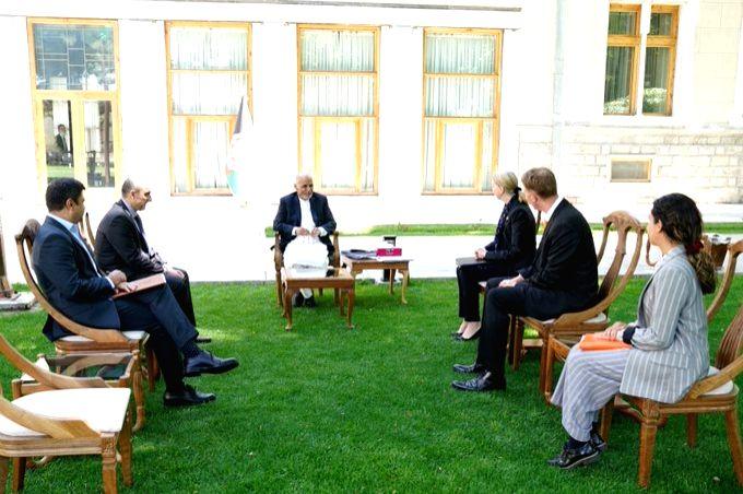 Afghan President Ashraf Ghani meets the UK's Ambassador to Kabul, Alison Blake (Photo: twitter/ AlisonBlakeFCDO)
