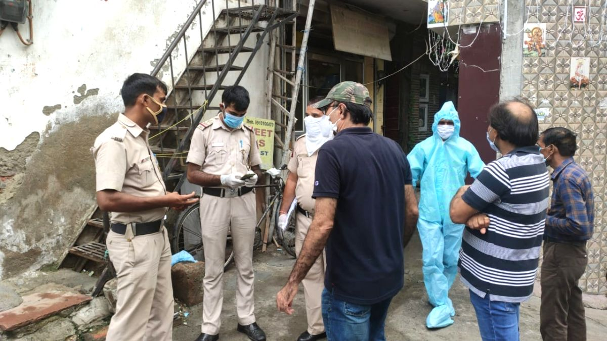 AIIMS doctor found hanging in his house in South Delhi.