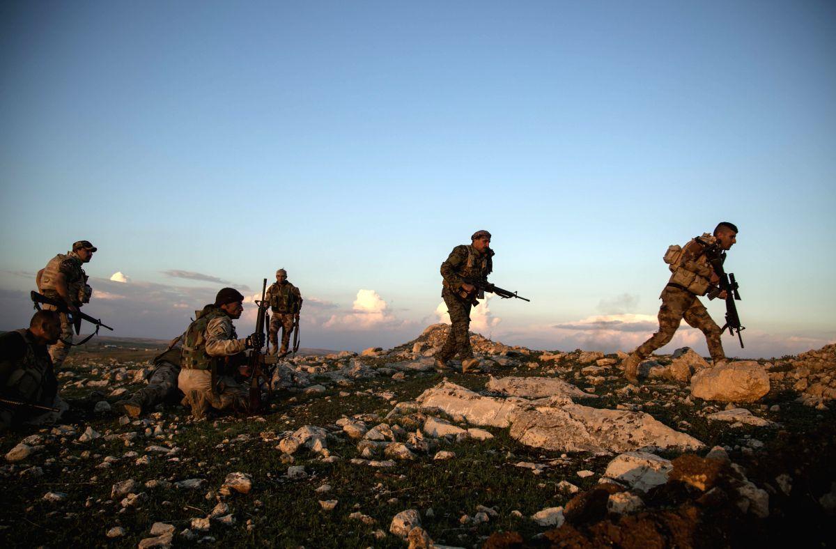 Airstrikes hit base of Iraqi paramilitary