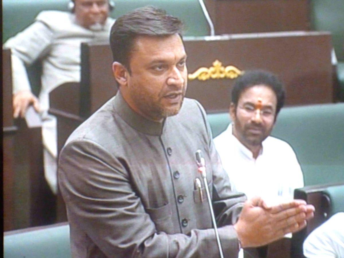 Akbaruddin Owaisi challenges govt to demolish PV, NTR's samadhis