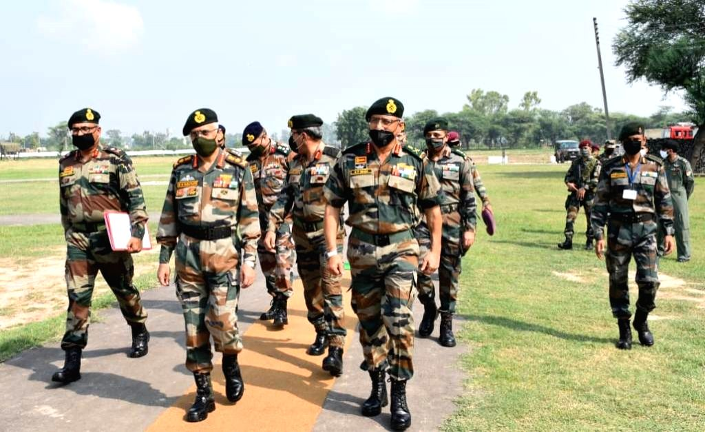 Chief of Army Staff, General MM Naravane visited formations of Vajra Corps at Amritsar and Ferozepur