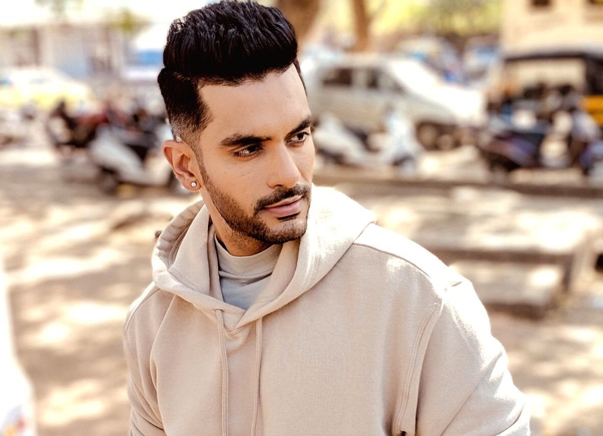 Angad Bedi first look of 'The Zoya Factor'
