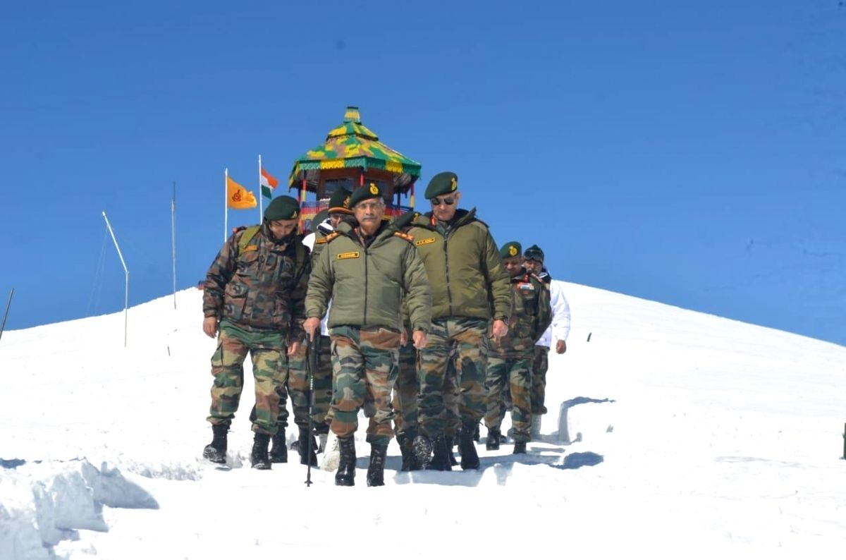 Army chief reviews security arrangements in Valley.
