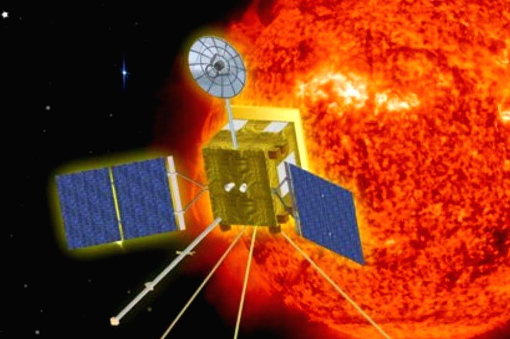 Artist concept of the Solar Orbiter circling the Sun. (Credit: NASA)