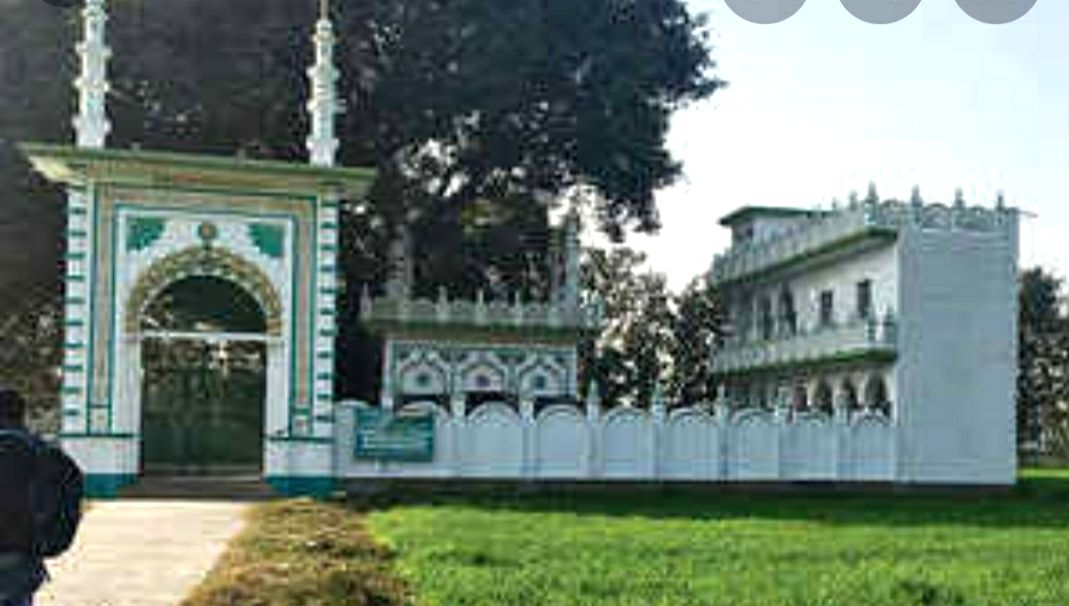 As 5 acre goes to Sunni board, builders smell fortune in Dannipur