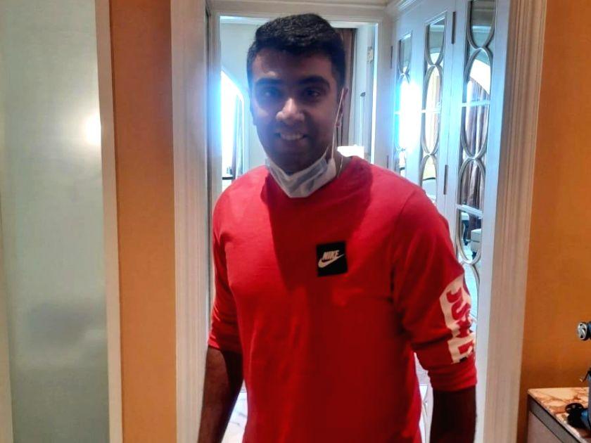 Ashwin, Patel, Hetmyer, Woakes reach DC team hotel. Credit: Delhi Capitals