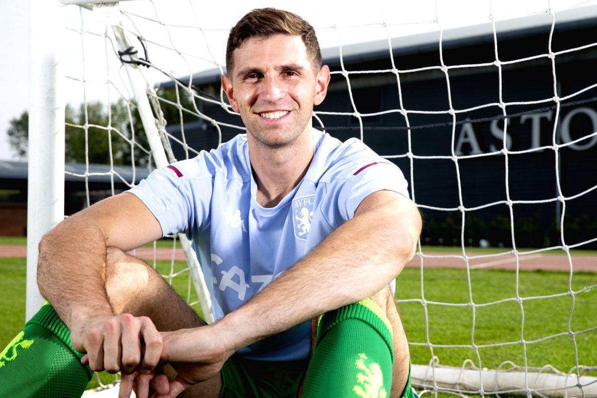 Aston Villa sign goalkeeper Emiliano Martinez from Arsenal.