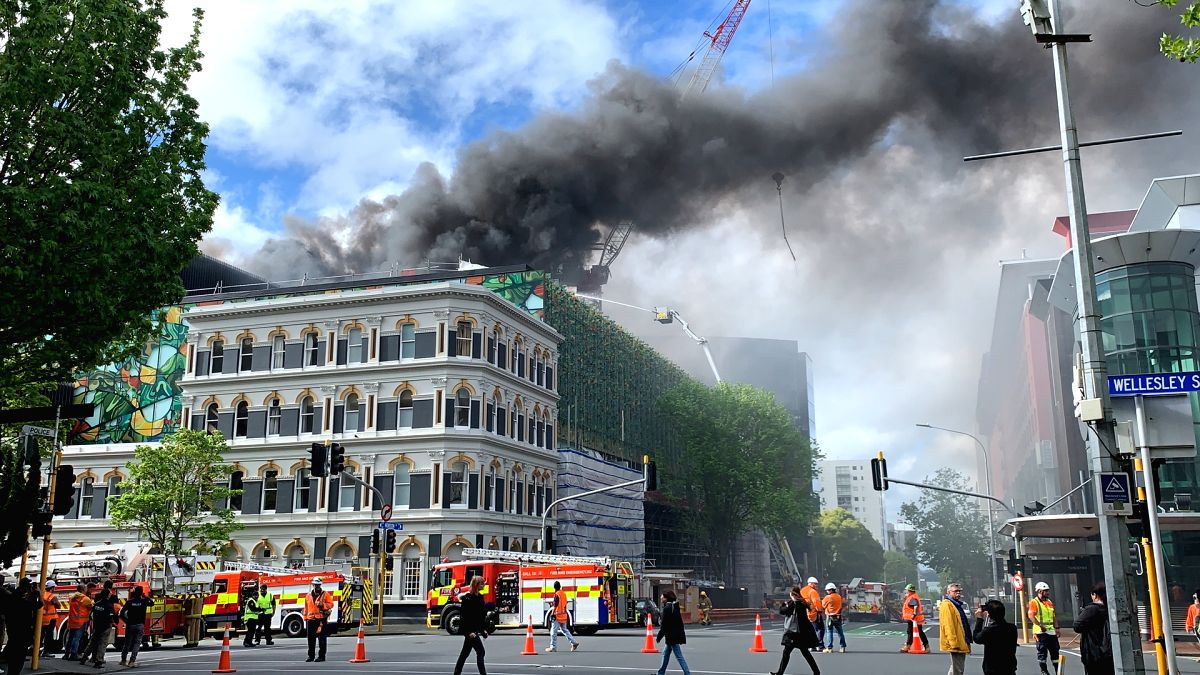 AUCKLAND, Oct. 22, 2019 (Xinhua) -- Photo taken on Oct. 22, 2019 shows the accident site of a fire in Auckland, New Zealand. A massive fire broken out Tuesday afternoon at a construction site in New Zealand's Auckland City center has left one missing