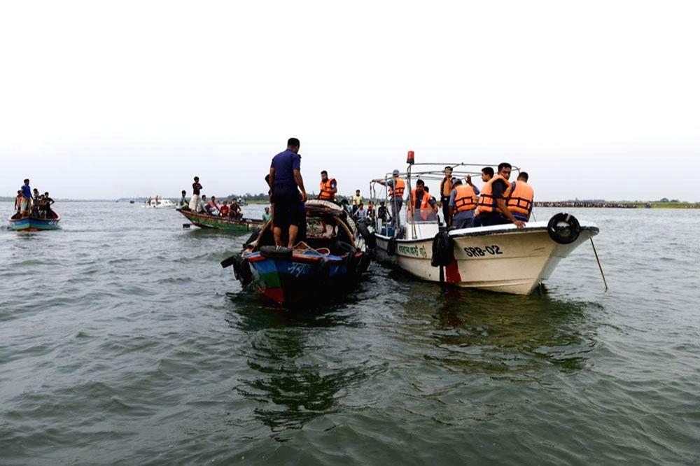 B'desh boat capsize toll reaches 33