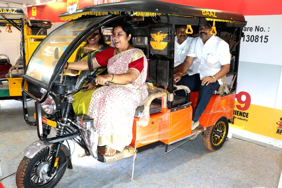 Bengaluru: Actress Tara at the inauguration of 7th Electric Vehicles Expo in India in Bengaluru on Sept 21, 2018.