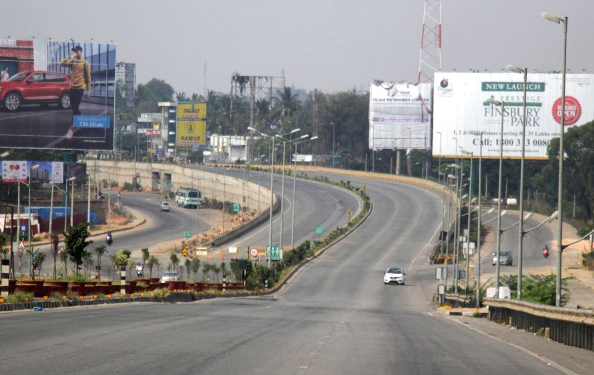 Bengaluru roads made 1-way to block lockdown violators