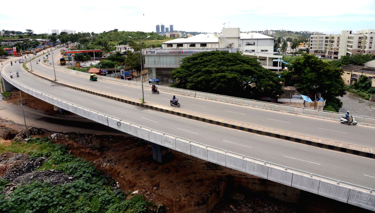 Bengaluru: Roads wears a deserted look during the Karnataka bandh called by a Federation of Kannada Organisations for the implementation of the Kalasa-Banduri irrigation project in Bengaluru on Sep 26, 2015.