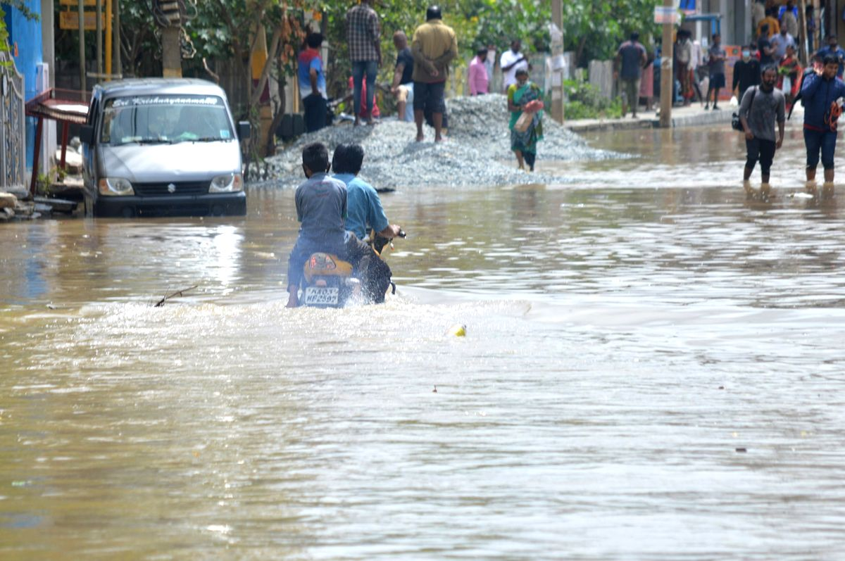 Bhubaneswar: Odisha tells Collectors to remain alert for heavy downpour.