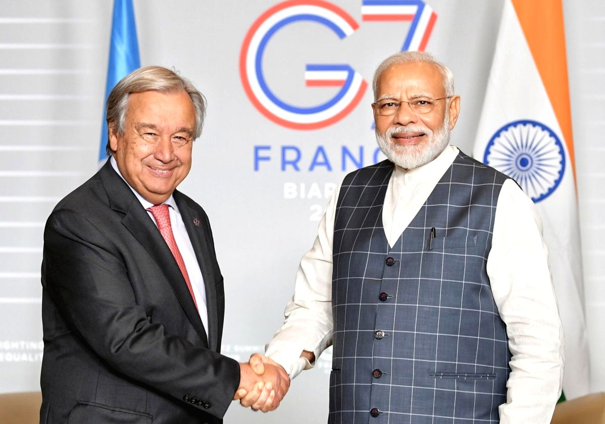 Biarritz: Prime Minister Narendra Modi meets United Nations Secretary General Antonio Guterres on the sidelines of the G7 Summit in Biarritz, France on Aug 25, 2019. (Photo: IANS/PIB)