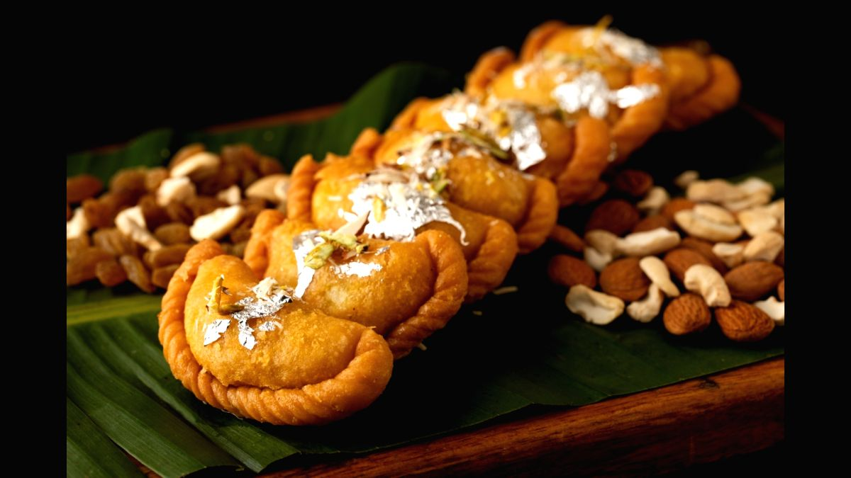 Binge on delicious, healthy gujiyas of different flavours this Holi