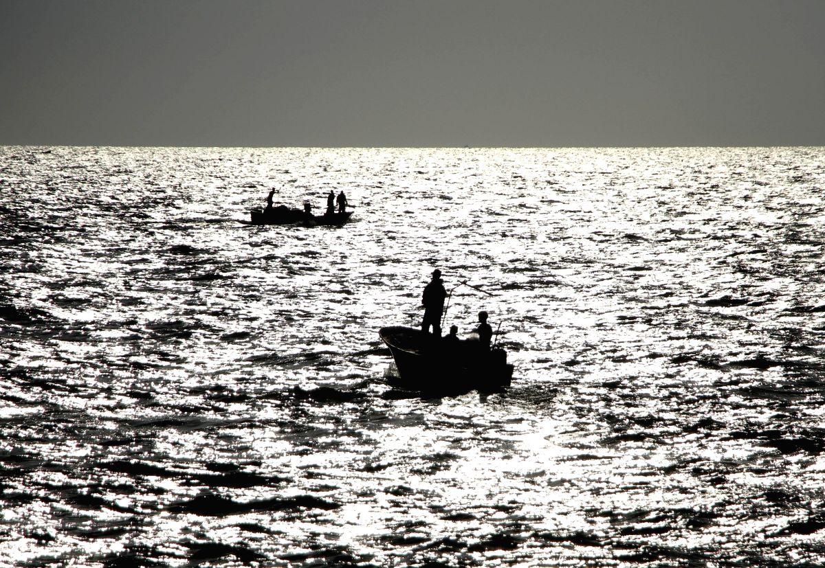 Boat capsizes.