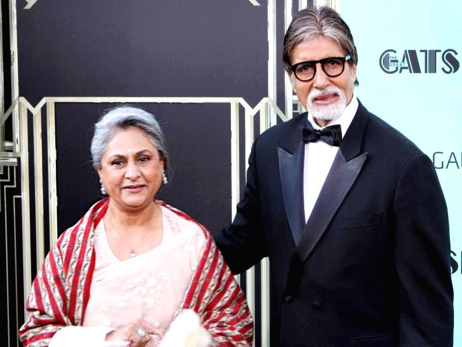 Bollywood actor Amitabh Bachchan with wife Jaya Bachchan