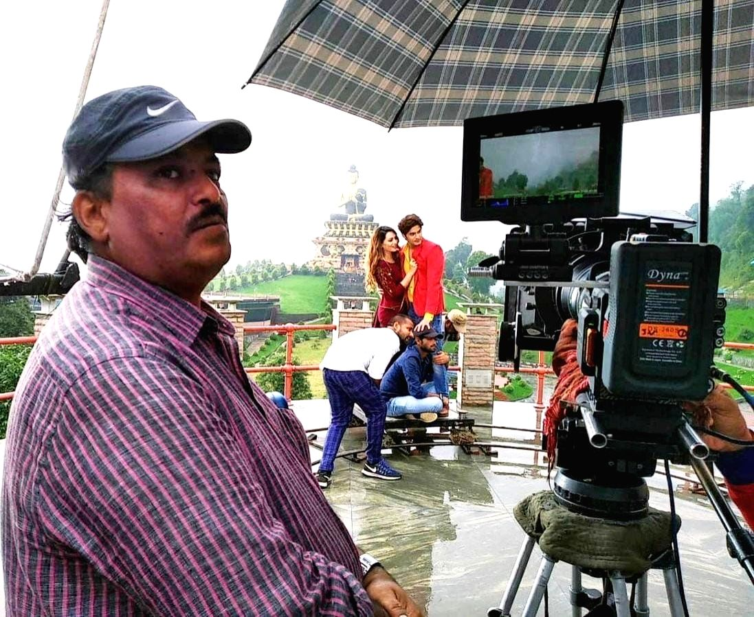 Bollywood mourns the demise of cinematographer Johny Lal.
